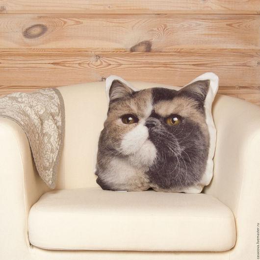 Подушка с кошкой