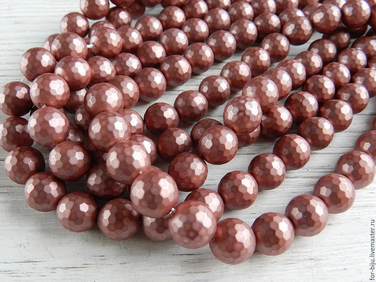 Pearl Shell Pearl (similar Mallorca), color: old rose (pink with a purple hue) beads, size 10 mm, hole about 0,8-1 mm.