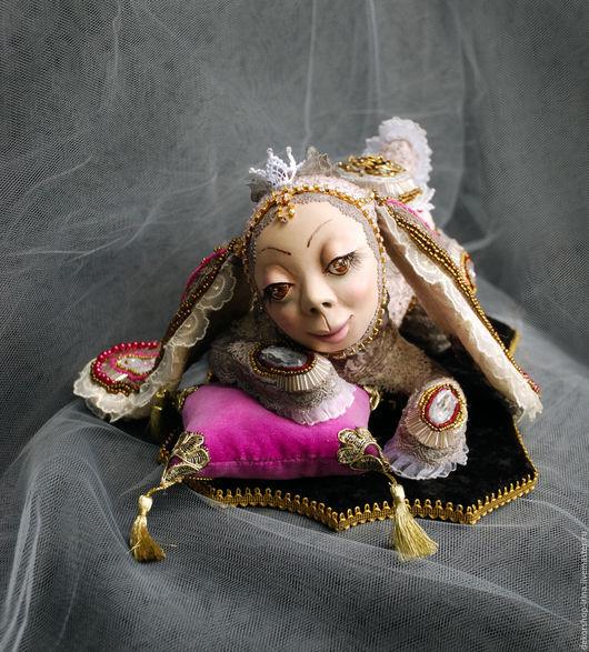 """Коллекционные куклы ручной работы. Ярмарка Мастеров - ручная работа. Купить Интерьерная кукла, авторская кукла ручной работы """"Гламурный кролик"""". Handmade."""