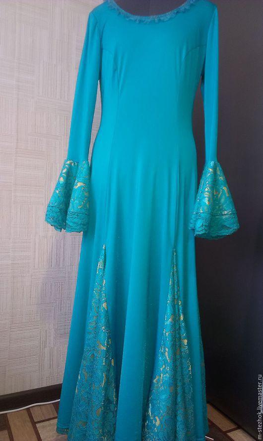 Платье для испанских танцев. Выполнено из эластичного бифлекса и атласа покрытого кружевом.