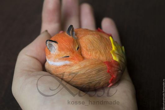 Миниатюра ручной работы. Ярмарка Мастеров - ручная работа. Купить Уютная лисичка. Handmade. Рыжий, лисичка, листья, каркас