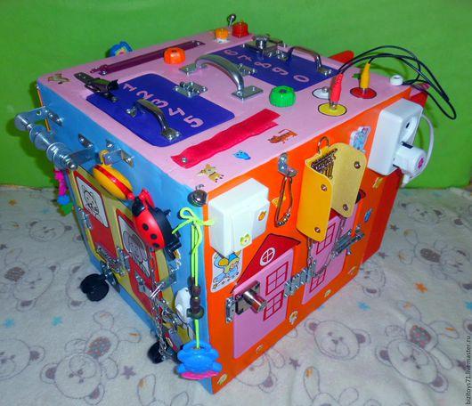 Развивающие игрушки ручной работы. Ярмарка Мастеров - ручная работа. Купить Бизиборд в кубе, бизикуб, бизибокс. Handmade. Комбинированный, пластик