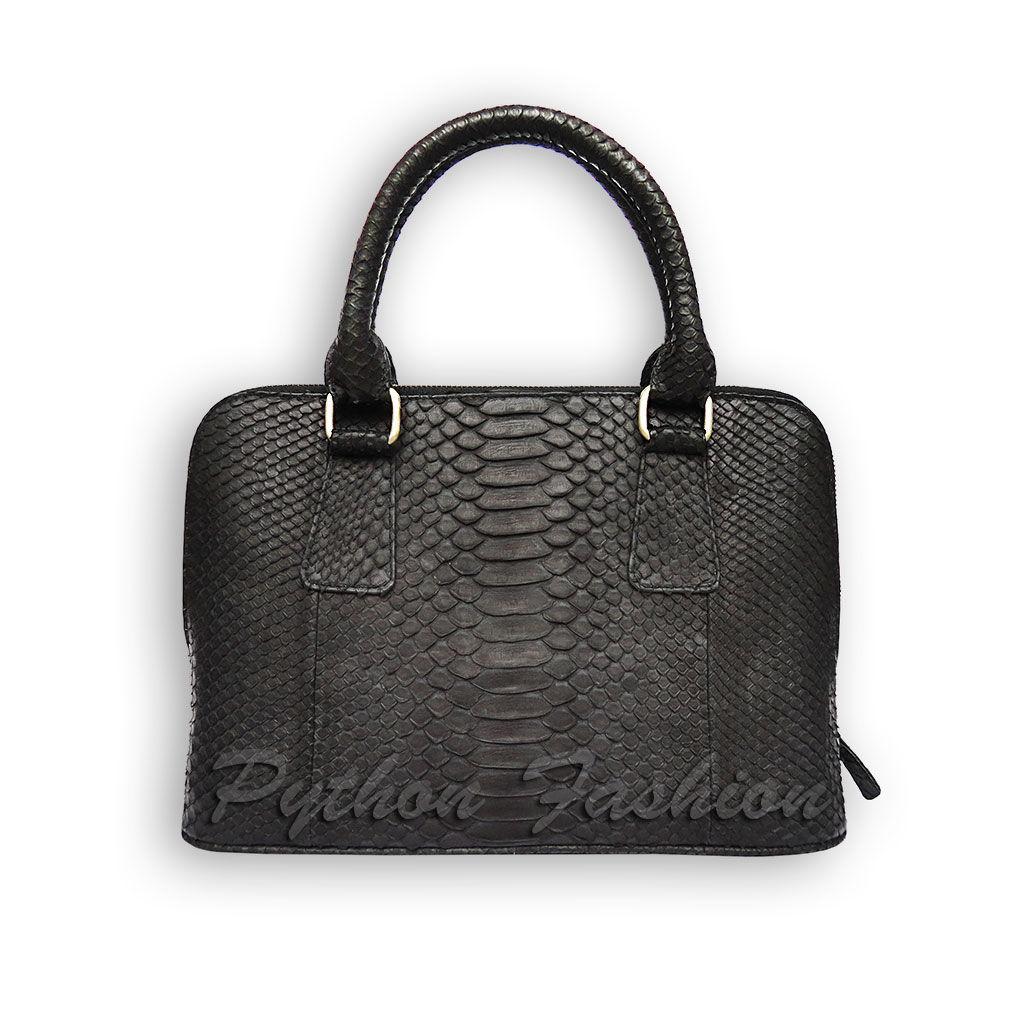 Сумочка из кожи питона. Дизайнерская сумочка из кожи питона. Модная женская сумочка из питона. Красивая питоновая сумочка. Стильная сумочка ручной работы. Небольшая сумочка из питона. Черная сумочка.