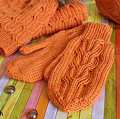 Аксессуары ручной работы. Ярмарка Мастеров - ручная работа Оранжевые теплые варежки, связанные спицами. Handmade.