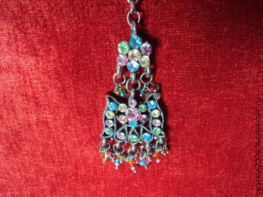 Тика со сверкающими кристаллами - бижутерный сплав `серебро`