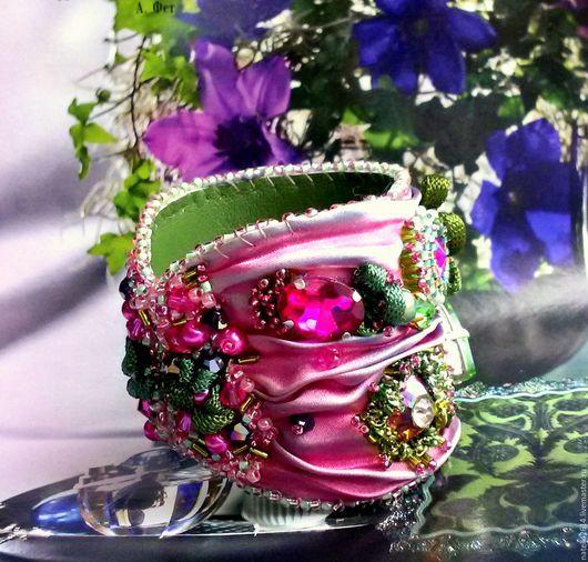 Браслет на Шибори ленте ,,Приношение Флоре,, Шибори лента, японский бисер, хрустальные кристаллы. Авторский браслет ручной работы. Мастер Натэлла Шемякина.
