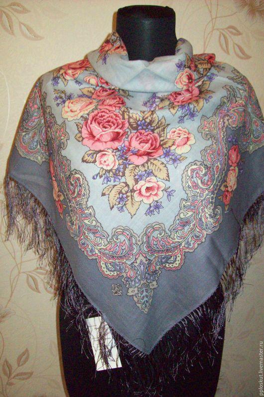 Платок шерстяной с шелковой бахромой `РУМЯНЕЦ`, вид 1 89x89 см Желанный подарок для любой женщины и девушки,100 % шерсть.