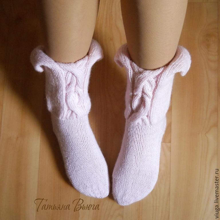 Женский роман. Носки вязаные, шерстяные, домашняя обувь ...