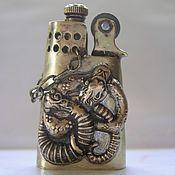 Подарки к праздникам ручной работы. Ярмарка Мастеров - ручная работа Зажигалка змеиная. Handmade.