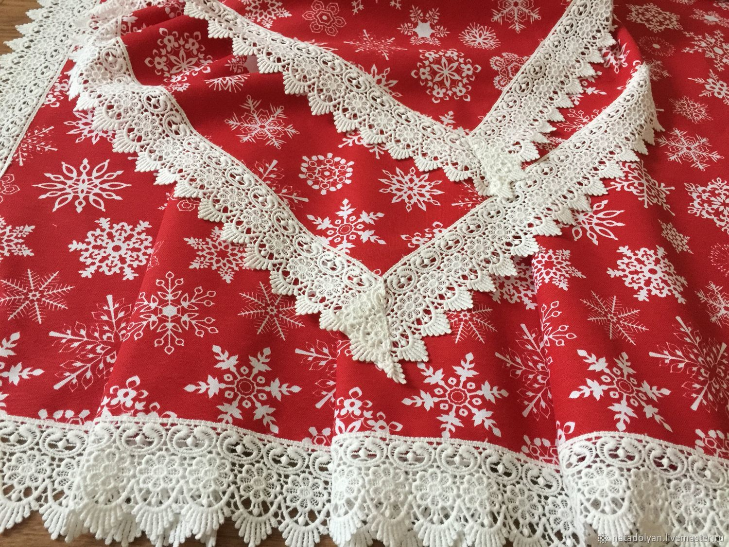 Cotton tablecloth with impregnation 'Snowflakes on red' in stock, Tablecloths, Ivanovo,  Фото №1