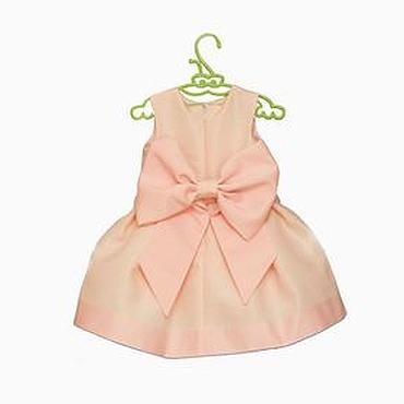 Работы для детей, ручной работы. Ярмарка Мастеров - ручная работа Розовое нарядное платье для девочки из тафты c большим бантом. Handmade.