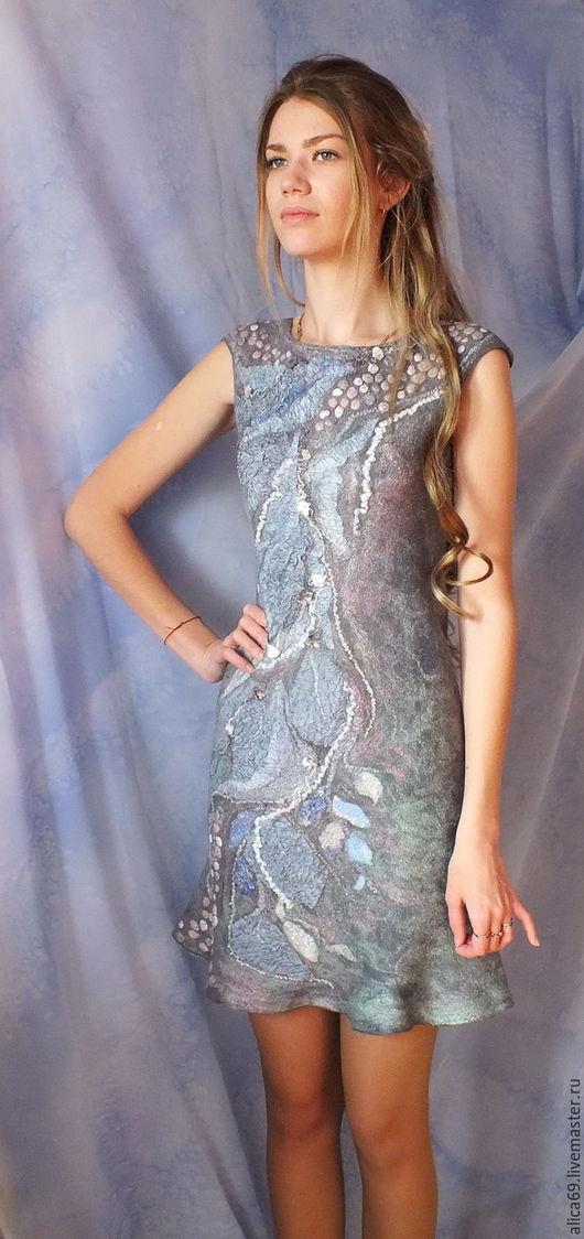 Платья ручной работы. Ярмарка Мастеров - ручная работа. Купить Валяное платье...Туман. Handmade. Серый, нуновойлок, одежда из шерсти