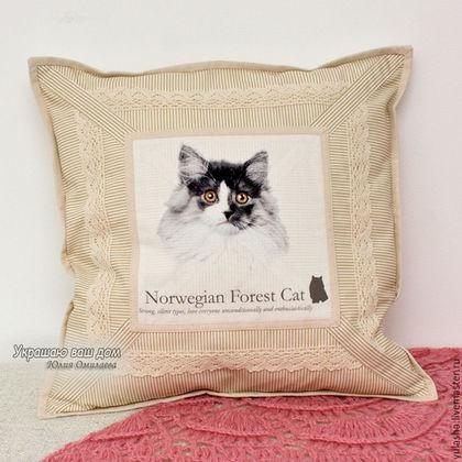 Наволочка декоративная. Подарок любителю кошек. Подушка с кошкой.Подарок на Новый год кошатнице. Набор наволочек. Подарок детям. Подарок друзьям, подруге. Текстиль для дома в гостиную