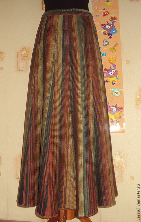 Поперечное вязание на машине юбки