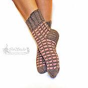 Носки ручной работы. Ярмарка Мастеров - ручная работа Носки вязаные шерстяные Фантазия женские серые с розовым. Handmade.