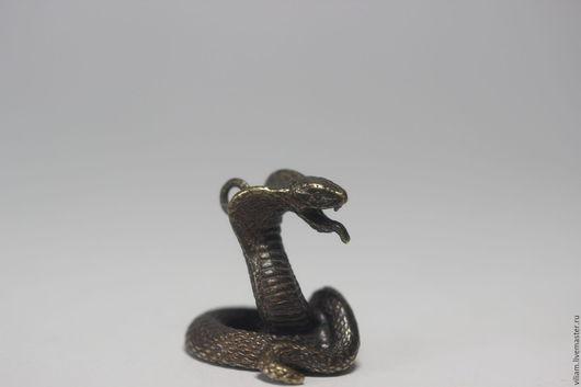 Брелоки ручной работы. Ярмарка Мастеров - ручная работа. Купить Бронзовый брелок змея кобра. Handmade. Комбинированный, фигурка