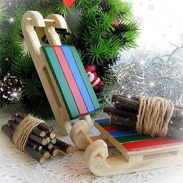 Подарки к праздникам ручной работы. Ярмарка Мастеров - ручная работа Саночки с вязанками дров, новогодний декор. Handmade.