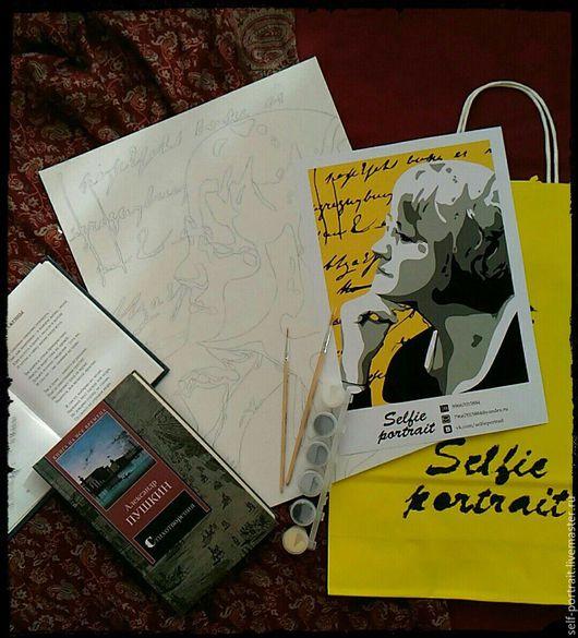 В наборе: холст-раскраска, фотография-образец, кисти, краски, инструкция, подарочный пакет.