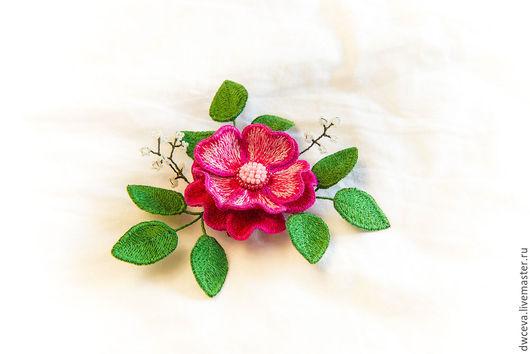 Броши ручной работы. Ярмарка Мастеров - ручная работа. Купить Брошь из шелка Ярко-розовая чайная роза. Handmade. Фуксия