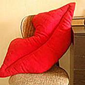 Для дома и интерьера ручной работы. Ярмарка Мастеров - ручная работа Подушка Губы диванная и для кормления и укачивания младенца. Handmade.