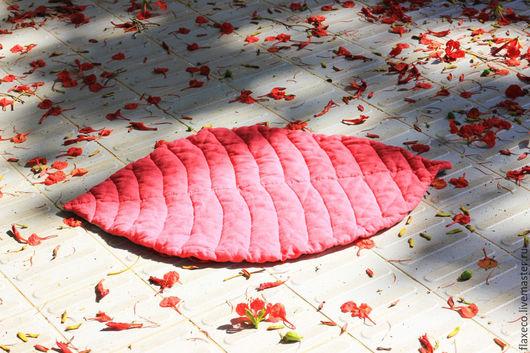 """Пледы и одеяла ручной работы. Ярмарка Мастеров - ручная работа. Купить Детский коврик """"Листик"""". 100% лен. Ручная работа.. Handmade."""