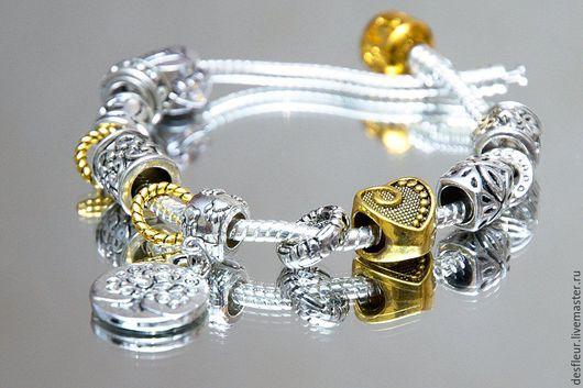 Можно сделать подвеску денежное дерево золотой. Браслет можно выполнить как на кожаной основе в один или два оборота, так и чисто на серебряной основе.