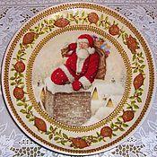 """Подарки к праздникам ручной работы. Ярмарка Мастеров - ручная работа Тарелка """"Дед Мороз на крыше"""". Handmade."""