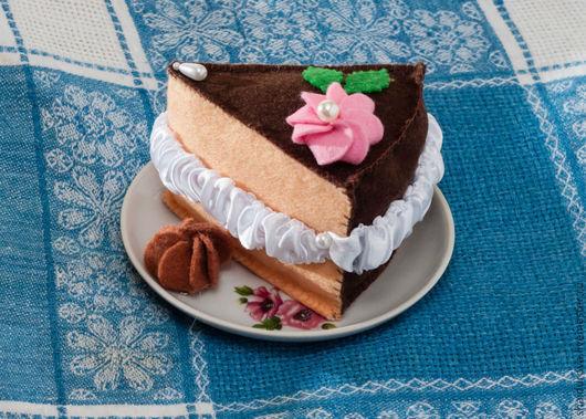 Еда ручной работы. Ярмарка Мастеров - ручная работа. Купить Пирожное из фетра.. Handmade. Еда из фетра, фетр, нитки мулине