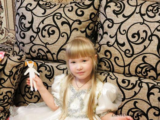 """Одежда для кукол ручной работы. Ярмарка Мастеров - ручная работа. Купить """"Маруся"""" - развивающая кукла из фетра с одеждой.. Handmade. девочка"""