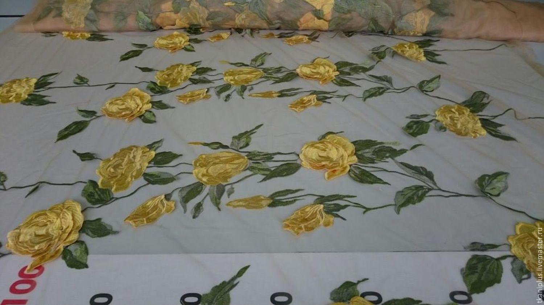 Вышивка розы на сетке 10