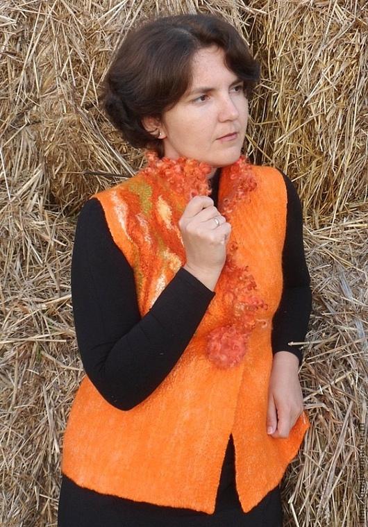 """Жилеты ручной работы. Ярмарка Мастеров - ручная работа. Купить Валяный жилет """"Оранжевая осень"""". Handmade. Оранжевый, маргиланский шелк"""