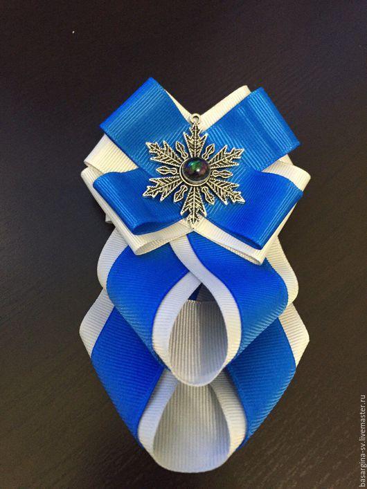 """Броши ручной работы. Ярмарка Мастеров - ручная работа. Купить Брошь """"Снежинка"""". Handmade. Синий, подарок на любой случай"""