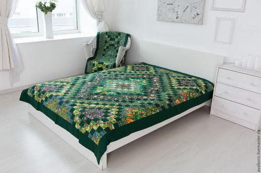 """Текстиль, ковры ручной работы. Ярмарка Мастеров - ручная работа. Купить Пэчворк""""Зелёное""""полуторное лоскутное покрывало. Handmade. Спальня, интерьер дома"""
