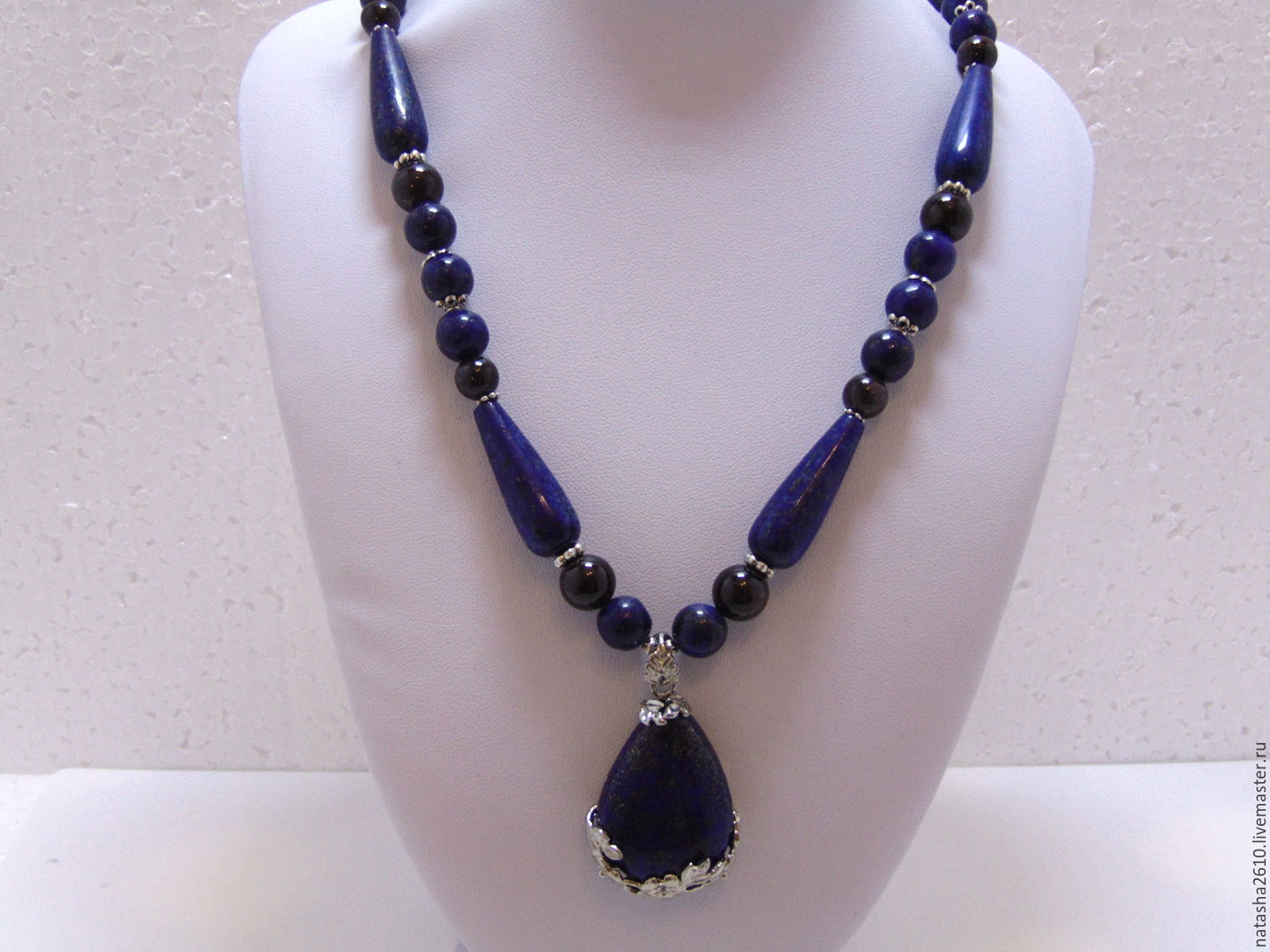 Necklace with a pendant made of lapis lazuli and garnet stones ' Delight', Necklace, Velikiy Novgorod,  Фото №1