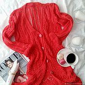 Одежда ручной работы. Ярмарка Мастеров - ручная работа кардиган ажурной вязки на пуговицах кораловый. Handmade.