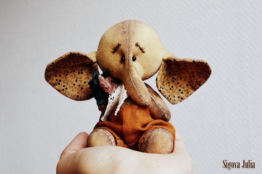 """Игрушки животные, ручной работы. Ярмарка Мастеров - ручная работа. Купить Кофейный слоник """"Бровки домиком"""". Handmade. Тёмно-зелёный"""