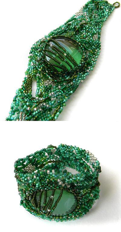Браслеты ручной работы. Ярмарка Мастеров - ручная работа. Купить Зеленый фриформ-браслет из бисера (со стеклянной галькой), бохо. Handmade.