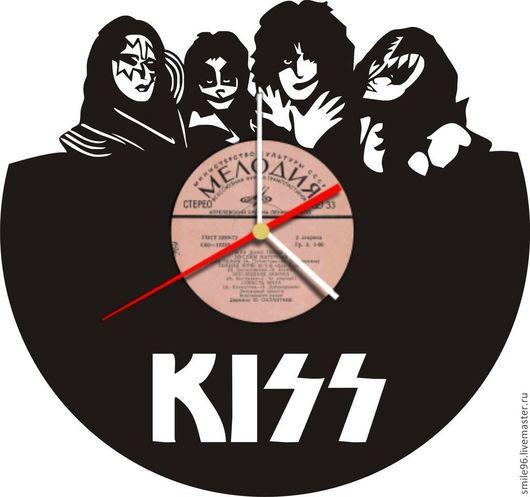 """Часы для дома ручной работы. Ярмарка Мастеров - ручная работа. Купить Часы """"Kiss"""". Handmade. Черный, рок, виниловая пластинка"""