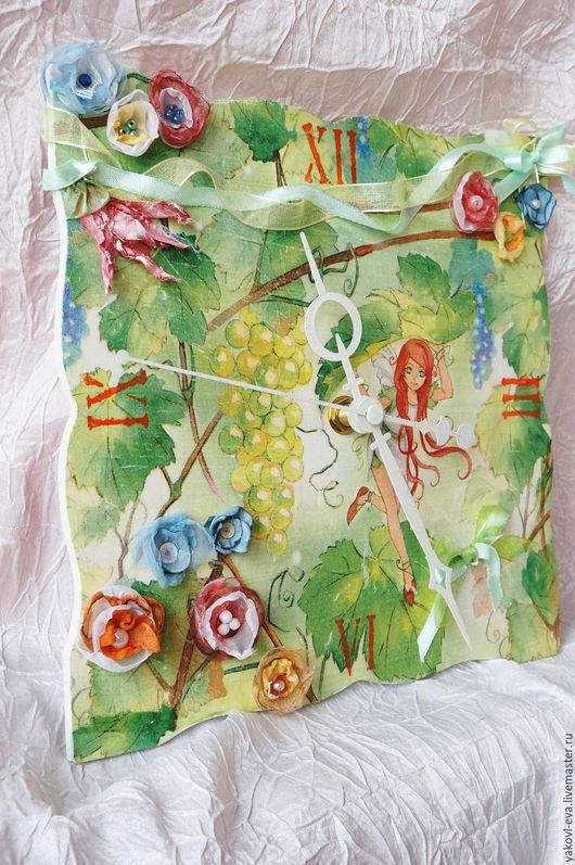Подарок на 8 марта,день рождения,новоселье для девочки.Часы настенные с объемными элементами в детскую комнату для девочки.Феи, цветы,зеленый,оранжевый.Интерьер детской комнаты девочки
