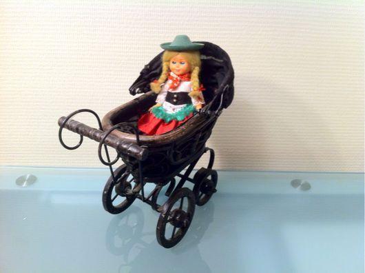Винтажные куклы и игрушки. Ярмарка Мастеров - ручная работа. Купить Винтажная коляска. Handmade. Коляска антик, фарфоровая кукла, дерево