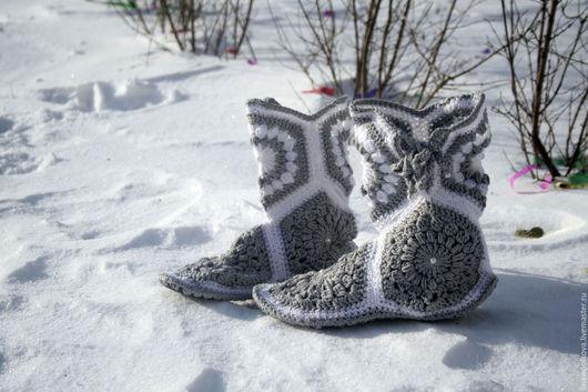 Обувь ручной работы. Ярмарка Мастеров - ручная работа. Купить Вязаные домашние сапожки. Handmade. Вяжаные сапожки, сапожки для дома