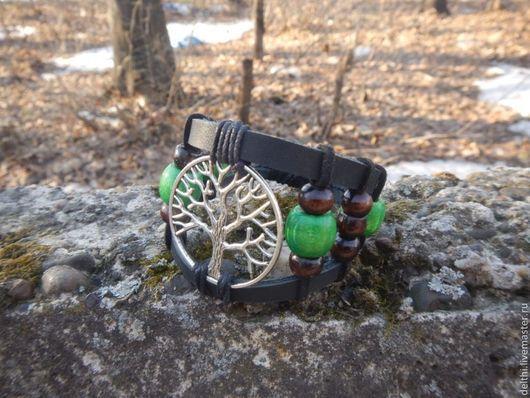 Браслеты ручной работы. Ярмарка Мастеров - ручная работа. Купить Кожаный браслет Древо жизни с деревянными бусинами. Handmade.
