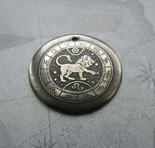 Лев, 28 мм ,мельхиор, 1 вариант.