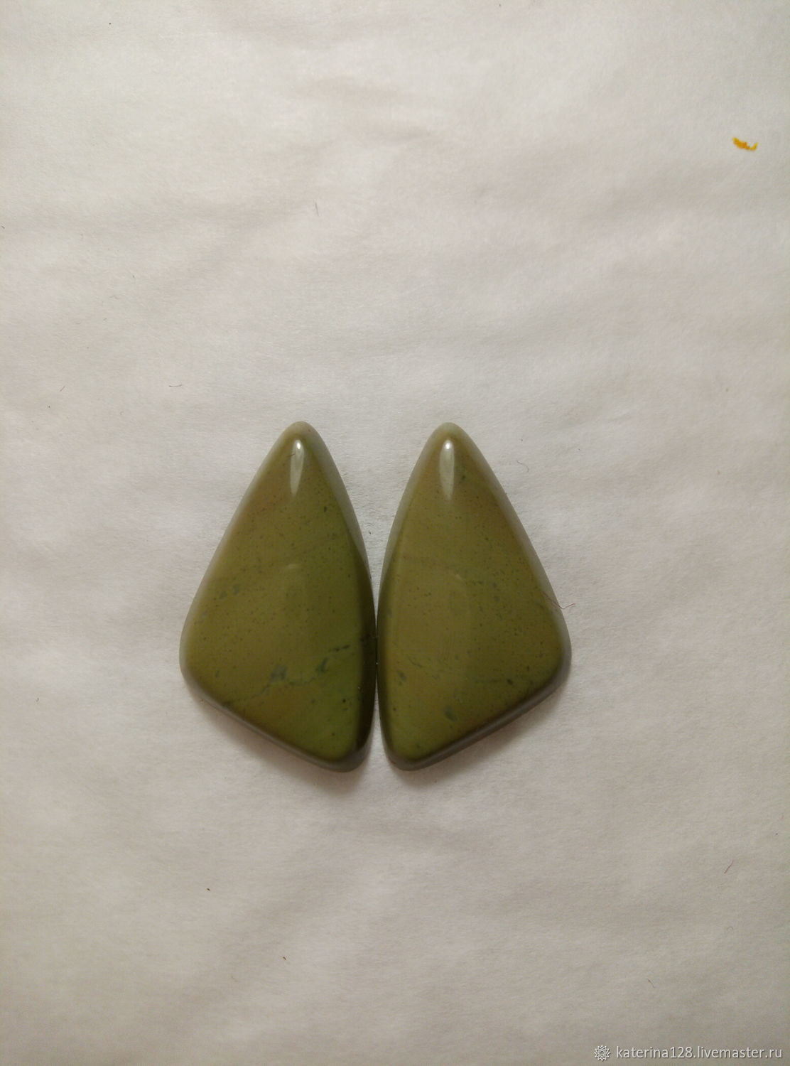 Cabochons of green jade, Cabochons, Alapaevsk,  Фото №1