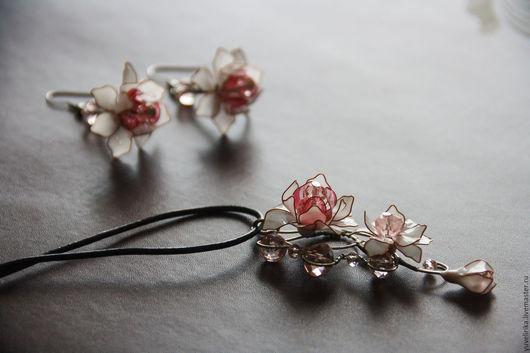 Кулоны, подвески ручной работы. Ярмарка Мастеров - ручная работа. Купить Кулон цветочный нежный  бело-розовый Флора. Handmade.