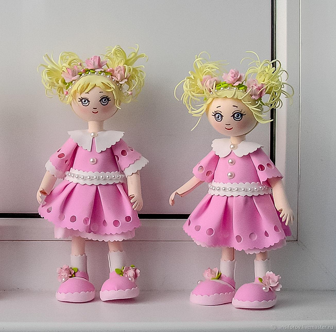 кукла из фоамирана пошагово с фото нас, наверное, помнят