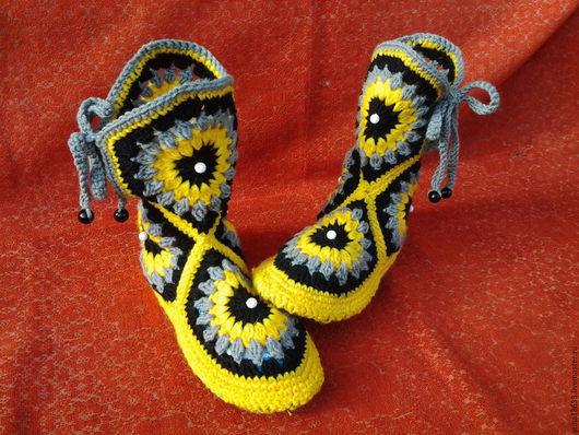 Обувь ручной работы. Ярмарка Мастеров - ручная работа. Купить сапожки-тапочки крючком. Handmade. Разноцветный, подарок, вязание на заказ