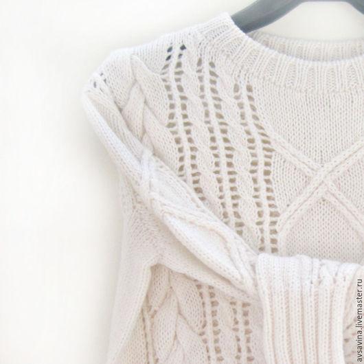 Кофты и свитера ручной работы. Ярмарка Мастеров - ручная работа. Купить Женский вязаный свитер с косами из кашемира белый молочный. Handmade.