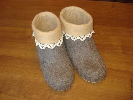 """Обувь ручной работы. Ярмарка Мастеров - ручная работа. Купить Домашние тапочки """"Тепло и удобно"""". Handmade. Коричневый, тепло"""