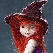 Куклы и игрушки ручной работы. Ярмарка Мастеров - ручная работа Ведьмочка на метле. Подвесная войлочная кукла.. Handmade.